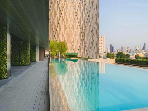 Banyantree Charoenkrung Swimming pool