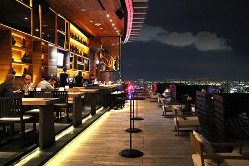 Marriott Hotel Sukhumvit Octave Rooftop Lounge and Bar